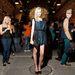 Srej Zsófi (Icon Model Management) az este egyik legszebb ruháját viselte - Szegedi Kata darabja a fekete és a sejtelmes kék áttűnésével játszik. Finoman megválasztott táskával és cipővel.