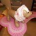 Rózsaszín fejkendőt is adhat kedvencére 4190 Ft-ért.