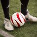 A csörgőlabda, a súlya ugyanolyan mint a sima labdáé.