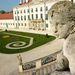 A Magyar Versailles-nak is nevezik a fertődi kastélyt.