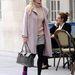 Fearne Cotton igazi egyetemista szettben van, de a szoknyája túl rövid...