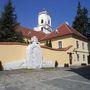 Győr, Káptalandomb, a Boldogasszony-kő (Szervátiusz Tibor alkotása)