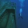 A 178 méteres hajó kamionokkal megrakodva süllyedt el 1982-ben, több búvárközpont is vezet roncsaihoz túrákat