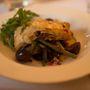 A vegetáriánus főételben volt minden a brie-től kezdve a karamellizált lilahagymán át a pirított, fűszeres lilaburgonyáig.