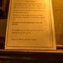 Több angol pubban is találkoztunk már olyan felirattal, amiben arra kérik a vendégeket, hogy ne beszéljenek csúnyán. Nem is hallottunk káromkodni soha senkit, mindenki nagyon udvarias és kedves.