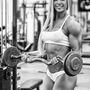 Jasztrab Katalin személyi edző tippje: Súlyzós edzés előtt ne hagyjuk ki a étkezést. Súlyzós edzés előtt figyelj arra is, hogy a fehérje mellett legyen szénhidrátbevitel is.