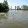 Vízi sportok a veresegyházi Tóstrandnál