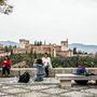 Egy közös fotó az Alhambrával mindenkinek jár