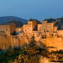 Pitigliano, a sziklafalra épült toszkán városka