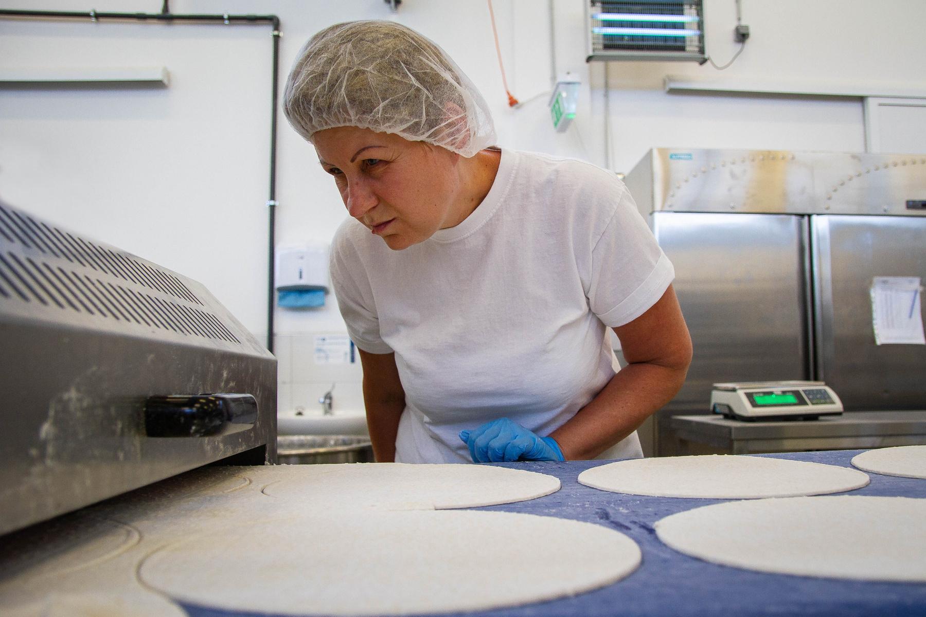 Gyermelyen a tészta saját lisztből és saját tojásból készül.