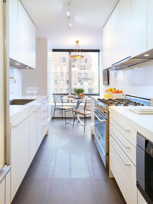 Ha viszont szeretjük a változatosságot, akkor ne féljünk a színektől a konyhában sem - sőt a szobanövényektől sem!