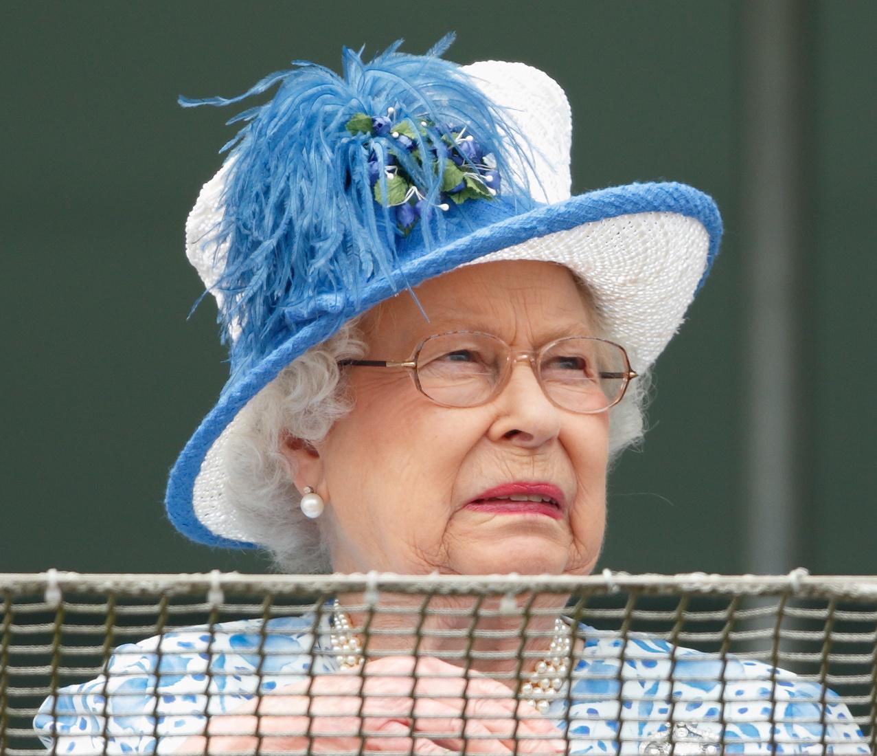 Kamilla cornwalli hercegnének is vannak szemrevaló tiarái.
