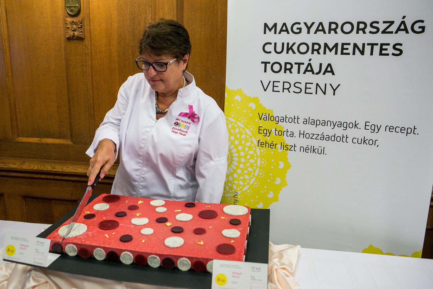 Szintén az augusztus 19-20 között megrendezésre kerülő Magyar Ízek Utcáján lehet megkóstolni a Szent István napi kenyeret.