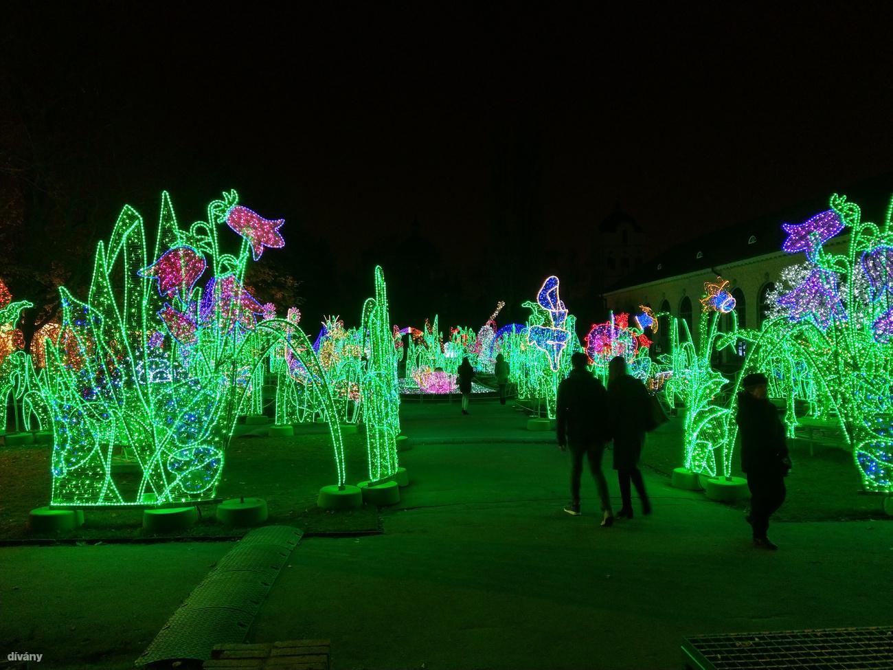 Dívány - Offline - Karácsonyi fények a világ körül  galéria! 8df8a62ed9