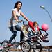 A Taga kerékpár, akár két babakocsis gyerek szállítására;  kép forrása: http://www.greenprophet.com/