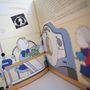 A könyv segít megérteni a daganatos gyerekeknek, hogy mi vár rájuk, mire készüljenek.