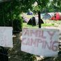 Jó dolog, hogy csak gyerekkel lehet itt sátrazni.
