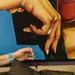 Támogatott fiatal művészeket is, de most magára koncentrál