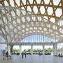 A Metz-ben található Pompidou központ a kortárs építészet egyik remeke és az első példája Franciaországban egy múzeum decentralizációjának.