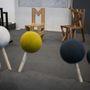 Pin sofa Fogarasi Demeter munkája, aki féléves koppenhágai tartózkodása alatt tervezte meg az ülőalkalmatosságot.