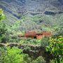 A hegy közelsége számos mexikói városra emlékeztet, ahol a magas hegyek miatt a völgybe tudnak csak letelepedni a lakosok.