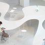 A holland, Studio Maks hullámzó, felhő-szerű asztalát a Milánói designhéten mutatták be.