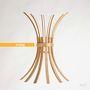 Laura Modoni székeket és asztalokat is tervez.