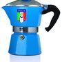 Egy, az olasz válogatott kék színével beborított kis méretű, azaz három csészényi kávét lefőző kotyogósért mindössze 24.90 eurót ( 7605 forint ) kérnek a Bialettinél.