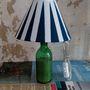 Csendes Eszter szerkesztő a kék-fehér nappalijához passzoló lámpát készített