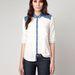 Van fehér ing a Bershkában is: hordható farmerrel és szoknyával is, 6995 forint.