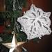 Végezetül a kapott gömböt helyezzük fel vagy a karácsonyfára, vagy lakásunk bármely pontjára!