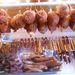 Egy hentesnél fellógatott sonkák. Áruk 1700 forint körül van, jól néznek ki, de nem annyira finomak.