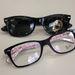 Ez is divatos napszemüvegként és sima szemüvegként is, sötétedő lencsével elég csak az egyikbe beruházni.