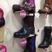 Szintén az Office Shoes kínálatában láttunk kerti cipőt, ez sem volt olcsó.