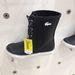 Az Office Shoes egyik drága gumicsizmája.