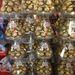 Szintén kiváló ajándék karácsonyi édességnek is a Ferrero Rocher.