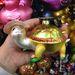 Ez a szalmakapalapos teknős is erősítheti átérezni a szeretet ünnepét.