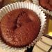 A kakaós-körtés muffin, sztívia nélkül. És felügyelet nélkül, merthogy csak beraktuk és a sütő intézte a többit, ki is kapcsolt mikor kész lett.