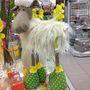 Ez már a Müller és a hajvasalót használó bárány. 4390 forintba kerül. Ugyanakkor a háttérben lévő feliratra is felhívnánk a figyelmet.