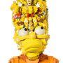 A Simpsons családot is kirakta megunt játékokból.