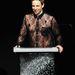 Marc Jacobson sokat viccelődött, de azt is elmondta, hogy a ruha nagyon szellős, nem izzad benne legalább