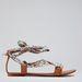 Bár Ozorán szinte mindenki mezítláb jár, aki mégis cipőt húzna, az menjen a Bershkába ( 8995 Ft)