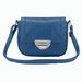 Poliuretánból készült a táska, így nem olyan kényes, mint a bőr, vagyis nem kell félteni annyira. Rózsaszínben is kapható! (F&F - 2990 Ft)