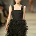 Lily Donaldson Phoebe Philo által tervezett Chloé ruhában.