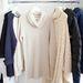 Bánatosan lóg a bemutatóteremben a pulóver, az első darabok csak a nagy leárazás után, augusztustól lesznek megvásárolhatóak.