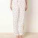 És persze rengeteg cuki pizsama is van. Ez a Hello Kitty-s 2995 forint lárazva