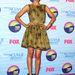 Zoe Saldana Jonathan Saunders ketté vágott ruhában.