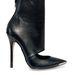 Íme egy cipő a 27 és 50 év közötti nőknek.