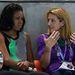 Michelle Obama és Summer Sanders lázasan beszélget.