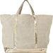 Vanessa Bruno flitteres táskái nem éppen olcsóak, több tízezer forintot kérnek el értük